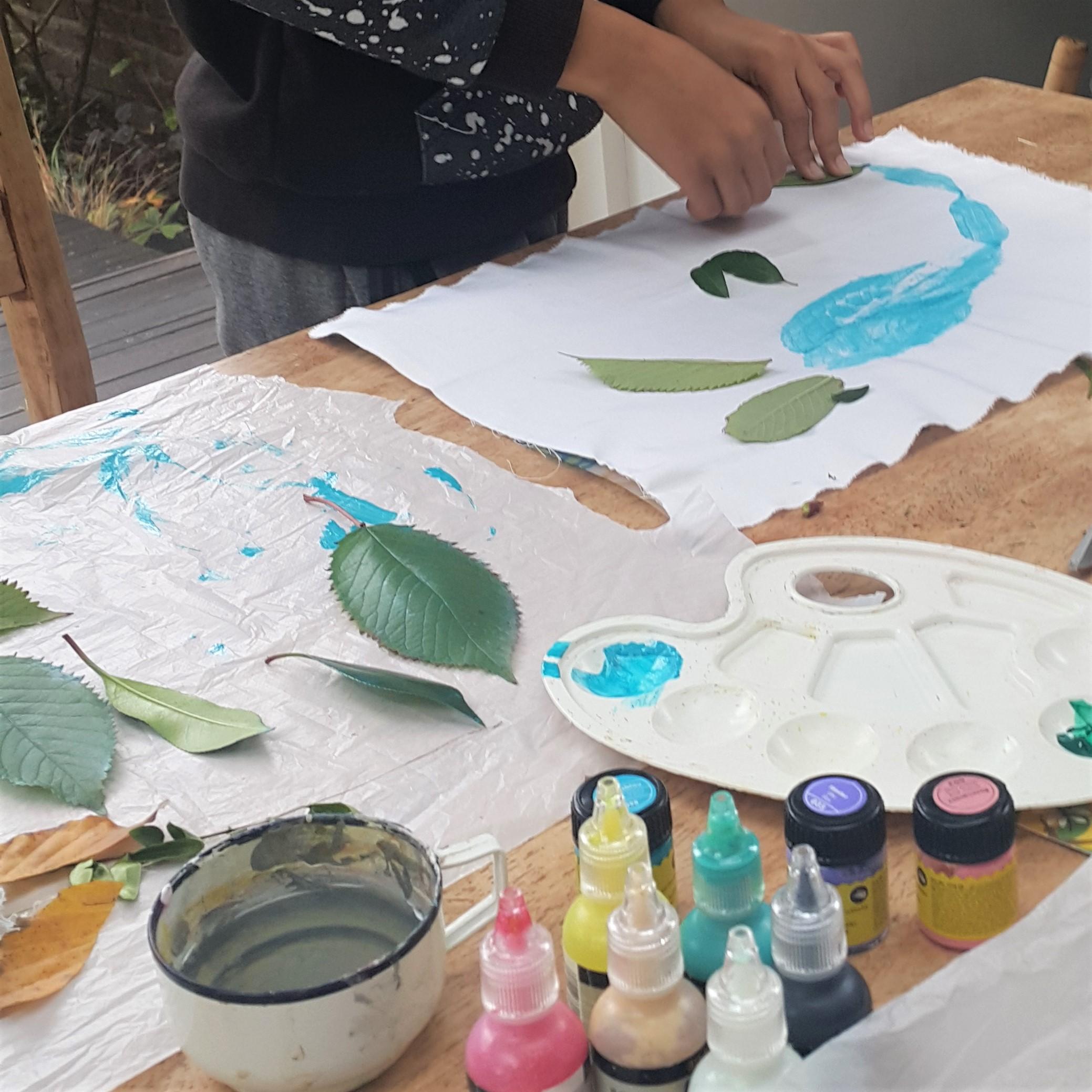 printing-technique-fabric-paint-year8-private-art-lesson-irina-taneva-tutor